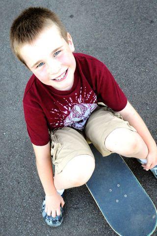 Ri-on-skate-board